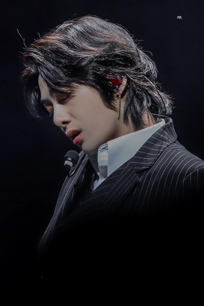 I want everyone to appreciate the era of Hyungwon's beautiful long hair before we go back to him getting short hair cut  we will miss this so much <br>http://pic.twitter.com/DmgIq56JlS