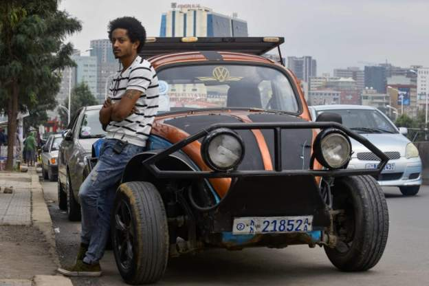 For more than four decades the Volkswagen Beetle has been a common sight in Ethiopa's capital, Addis Ababa, partly because of a hefty tax on new cars. Now people are giving them a makeover. Click to see more pictures: bbc.co.uk/news/live/worl…