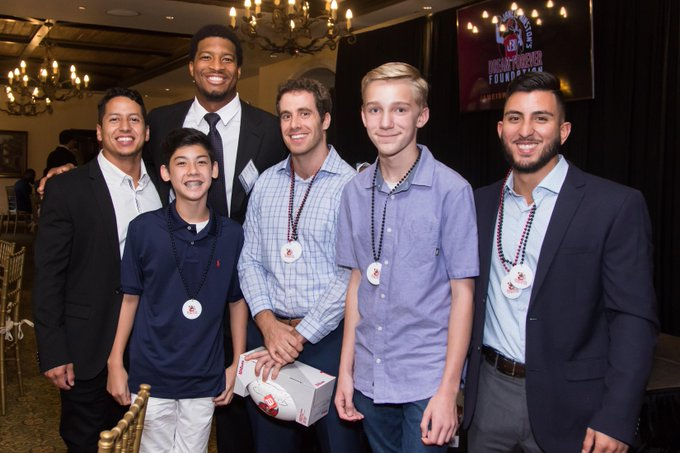 .@Jaboowins + the @Buccaneers hosted a gala to raise $325K for the Dream Forever Foundation + The Twin Lakes Elementary School Dream Room!  Dream Rooms provide low-income + Title I schools with state-of-the-art technology + support for students. @JW3DreamForever   #InspireChange