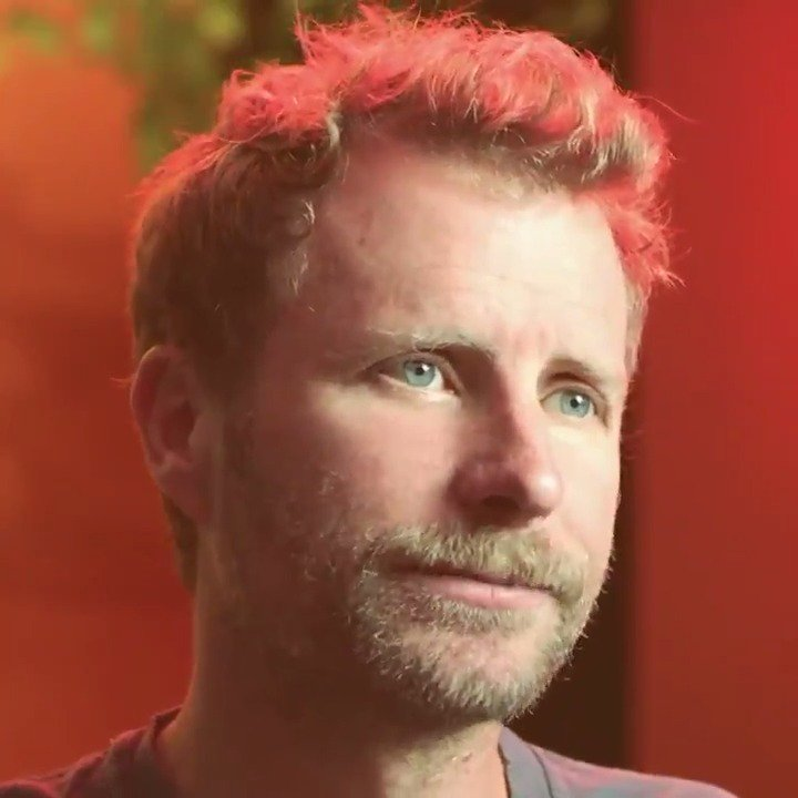 .@DierksBentley has his favorite country song—what's yours? Tell us your #FavoriteCountrySong and dive into the immersive Ken Burns Country Music Experience now 👉http://spoti.fi/KenBurns