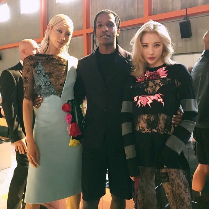 Sunmi poses with supermodel Soo Joo Park and ASAP Rocky in Milan at Prada show https://t.co/fDTscoZHnP https://t.co/3Rk0Vw35nw