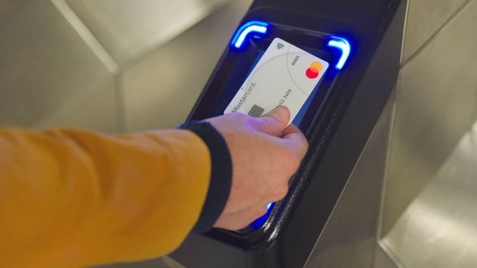 """The card that you use every day in your wallet can actually be the same card you use at the turnstiles."" —Linda Kirkpatrick, EVP, U.S. Merchants and Acceptance More on @cheddar about how we're working with 20 cities to bring Contactless to transit ⬇️ cheddar.com/media/tap-and-…"