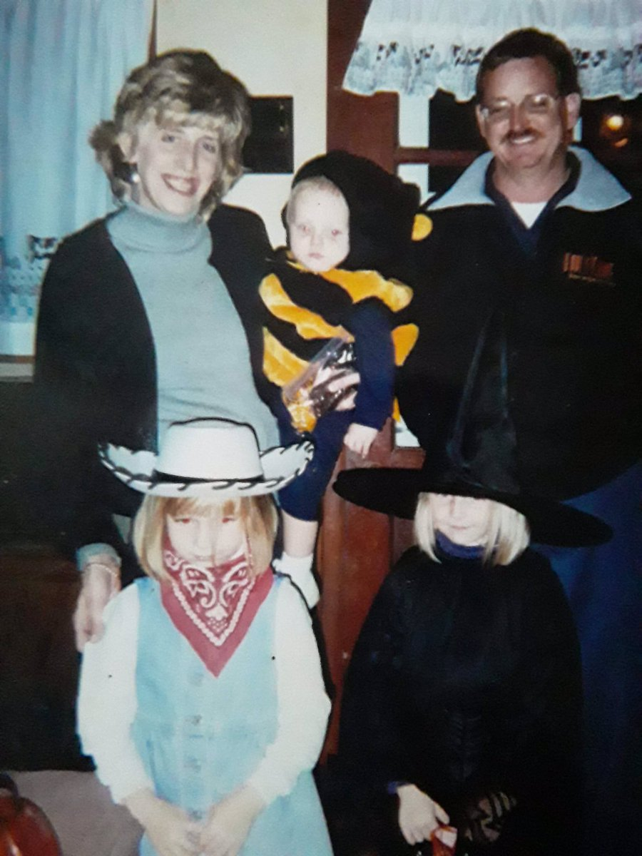 Someone I went to school with and knew for a long time, messaged me on Facebook today and just sent these. No words. Just photos of me and my siblings.<br>http://pic.twitter.com/g7Ml4r2eBk