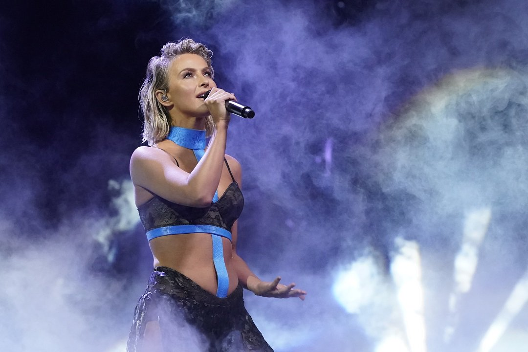 Julianne Hough Debuts Her First Song In 9 Years At Agt Finale