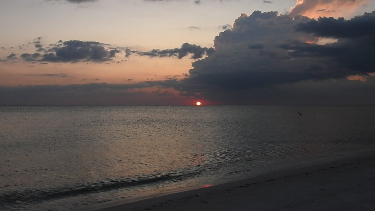 The Sun setting at the gulf from the beach Wednesday evening on 9/11 Remembrance Day 🌔 #sunset 🌅 #vacation #NeverForget ✝️ #NeverForget911 ✝️ #remember911 ✝️ #Remembering911 ✝️