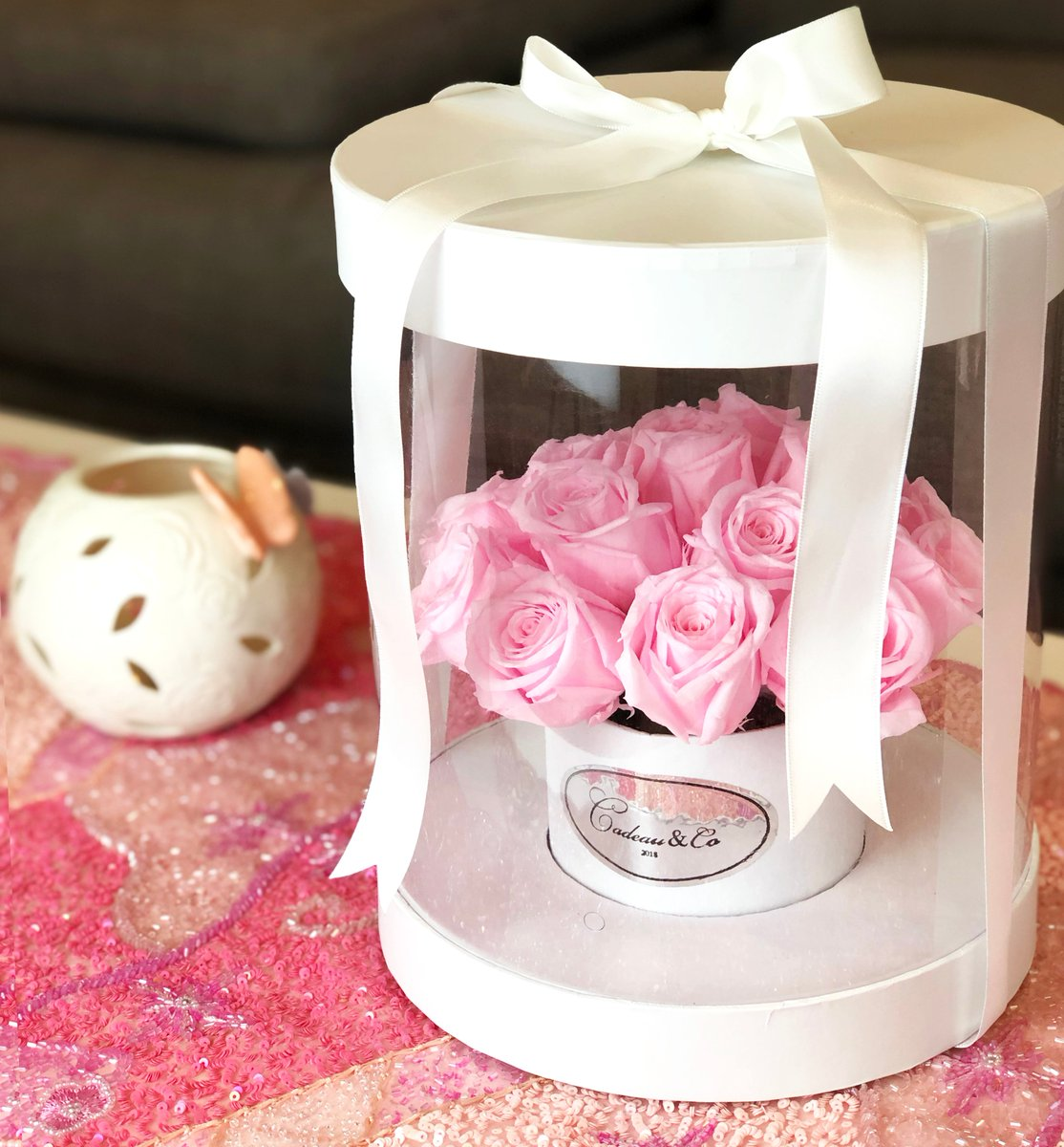If you're looking for a gift this Mother's Day, get something that can last. Real flowers that last up to 3 years  . . . . . #gift #foreverflowers #cadeau #cadeaux #cadeauandco #everlastingflowers #mothersday #flowerboxes #gifts #flowers #pinkroses   https:// cadeauco.com.au/collections/dr eam  … <br>http://pic.twitter.com/Wg1Hm1eICp