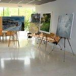 Image for the Tweet beginning: Multitud de pintores participan en