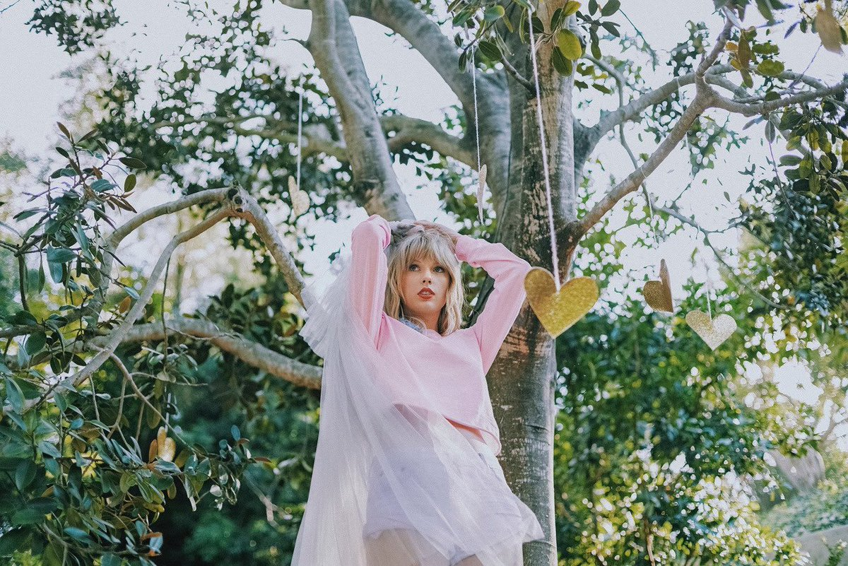 "Taylor Swift >> álbum ""Lover"" [II] - Página 40 EEzNwriUcAA65IM?format=jpg"