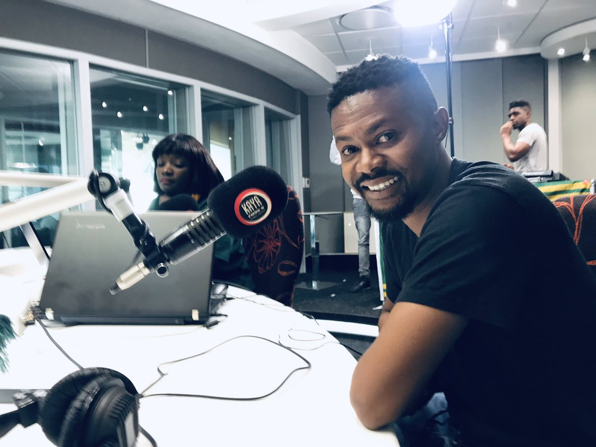 Thank you to @kayafm95dot9 Breakfast team @jasongoliath @ThabisoSikwane for having us yesterday and thank @sumtingfresh for our delicious lunch 😋 and most of all thank you all of you for making is number one in most cinemas around the country. 🥳 🎊 🎉 #losinglerato
