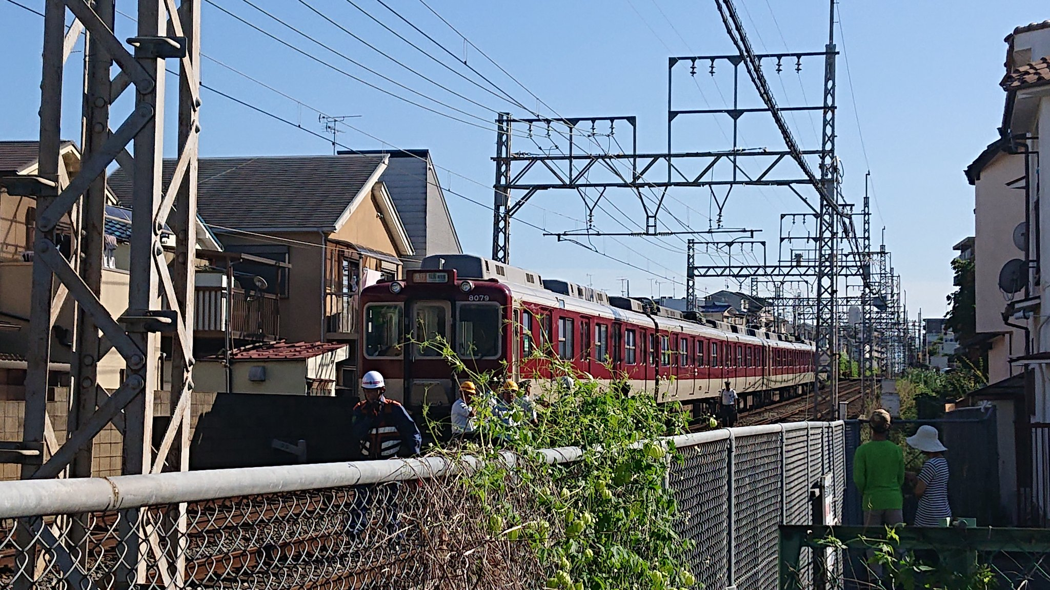 近鉄京都線の小倉駅で人身事故が起きた現場の画像
