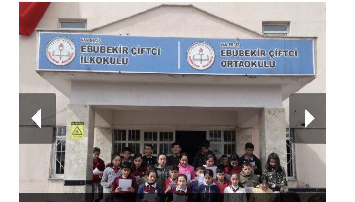 Merhum babamız Erciş E.Belediye başkanı Ebubekır ÇİFTCİ ve Annemiz Kadriye ÇİFTCİ adına eğitime kazandırdığımız okullar nedeniyle teşekkür belgesi verildi. Sn @ziyaselcuk  bakanım gösterdiğiniz vefa için size ve şahsınızda Milli Eğitim camiasına çok teşekkür ederim.