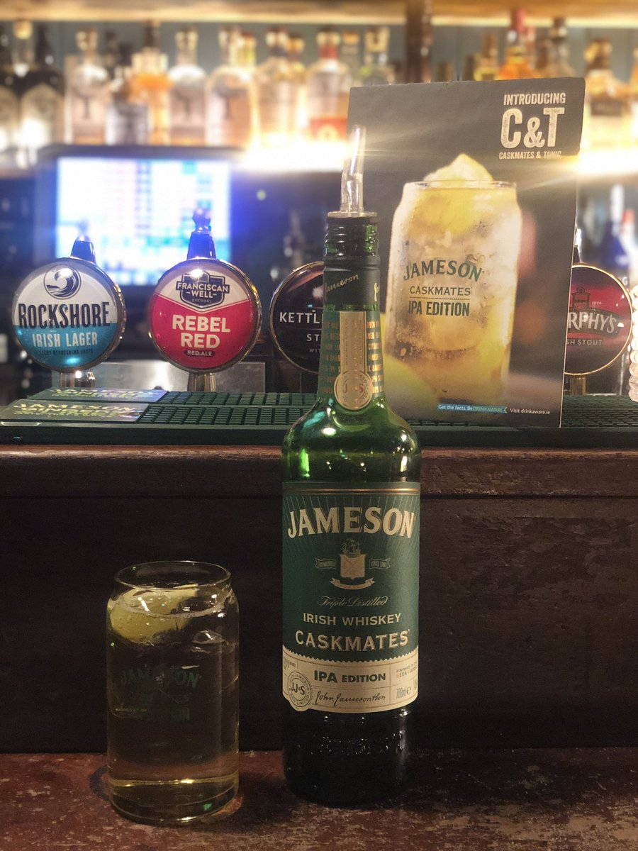 A great evening @ The Rag Trader for   🎶 Whiskey Sessions 🎶  - guests got to sample @jamesonwhiskey Caskmates IPA.  The Whiskey Sessions take place every Thursday from 6pm-8pm.  #TheRagTrader #DruryStreet #JamesonCaskmatesIPA https://t.co/zqMTCtUiMY