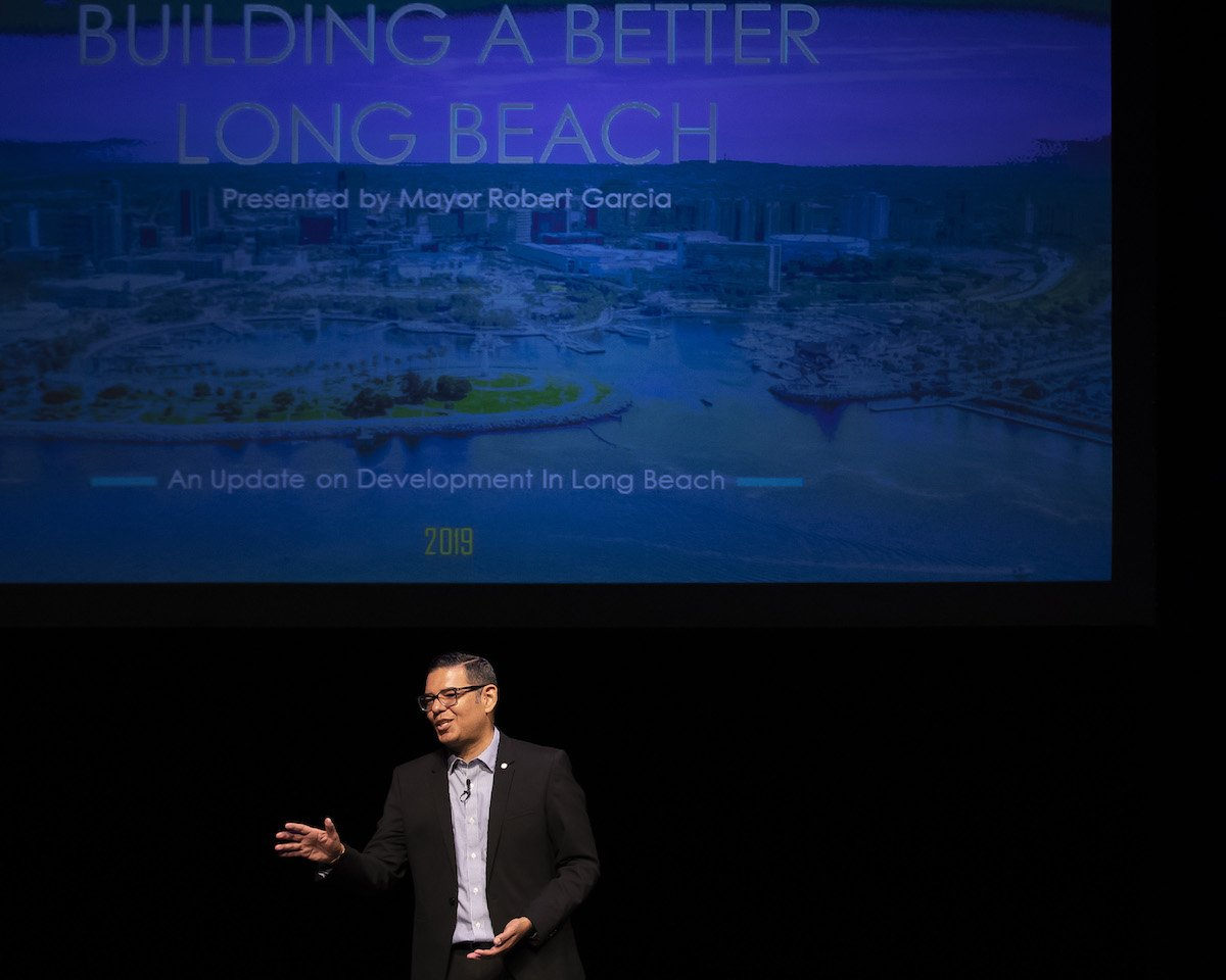 Exactly a week ago @LongBeachBuilds announced its Building a Better Long Beach presentation given by @LongBeachMayor where he provided a detailed overview of all the development happening in Long Beach. Heres what you missed ⬇️