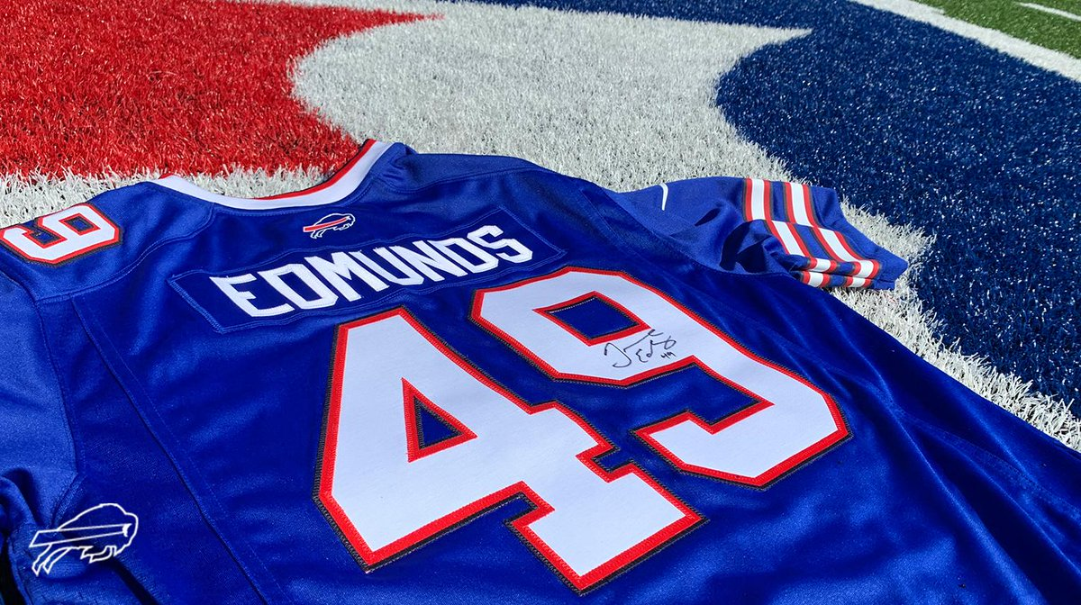 @TreWhite16 Not done yet. 😎 Follow + Retweet for your chance to win a signed Tremaine Edmunds jersey! Rules: bufbills.co/npvs4A