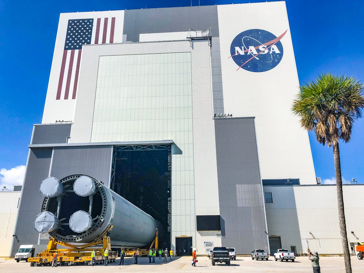 The @NASA_SLS core stage pathfinder entering the Vehicle Assembly Building at @NASAKennedy, 4:00 today. NEXT UP: The team will practice maneuvers with it inside the VAB.
