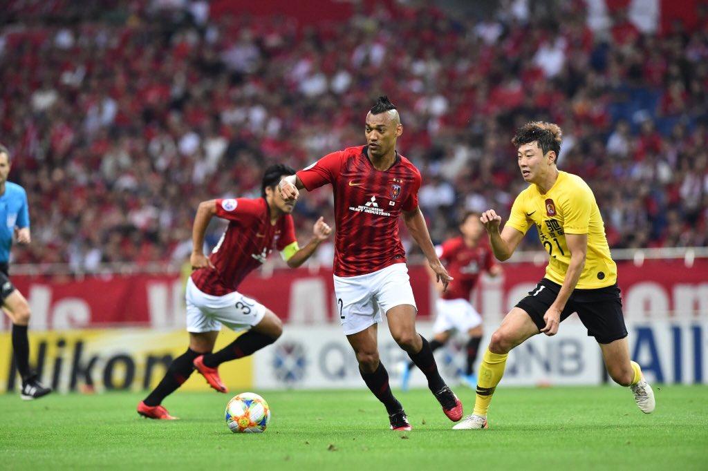 أوراوا ريدز يهزم جوانزو الصيني بثنائية نظيفة في ذهاب نصف نهائي دوري أبطال آسيا