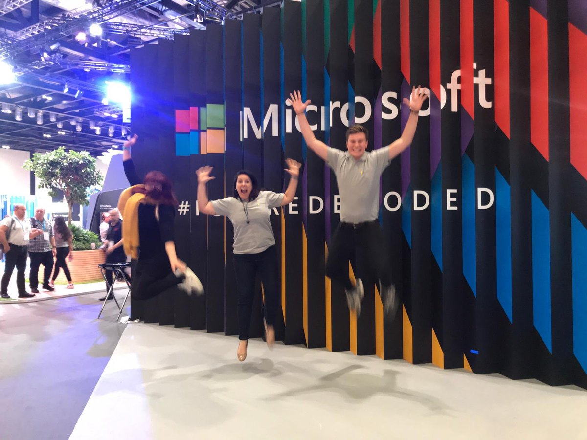 Feeling energised after a top day at #FutureDecoded. So many great conversations about #digitalskills for customers, young people & wider society. Thanks @samviollet for compiling lots of the content we discussed into one site: aka.ms/skillsFD !!