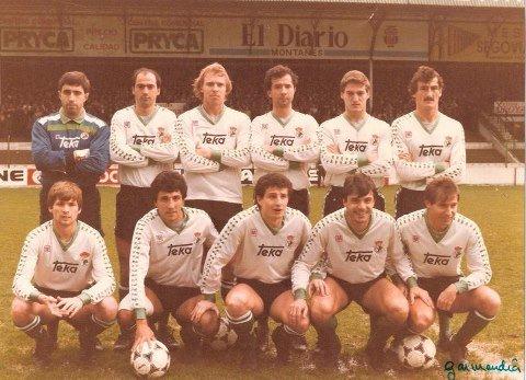 FOTOS HISTORICAS O CHULAS  DE FUTBOL - Página 12 EF4o93YWoAAGrCG?format=jpg&name=small