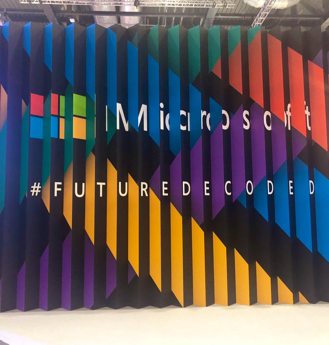 Today, we've been at @Microsoft #FutureDecoded hearing about how #AIforGood can protect endangered species & preserve rare languages, how high-performing @F1 cars at @redbullracing are built and how to better manage mental wellbeing in the digital workplace.  #AI #Tech