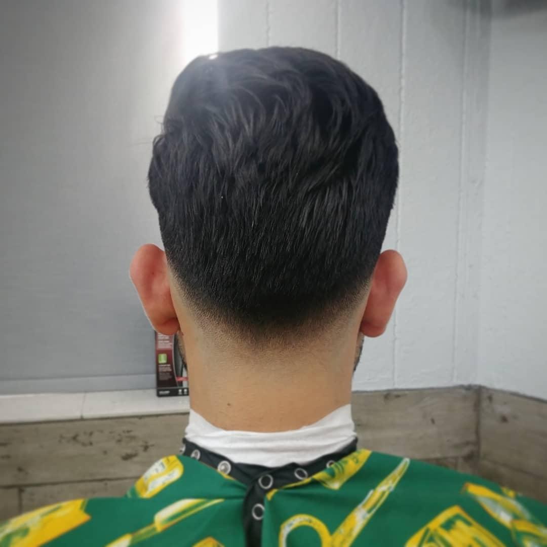 Low fade game  #DnicestFades #MrRedBeard #FreshFadesDaily #barber #BarberLife #Miamipic.twitter.com/7XvnYh0wZu