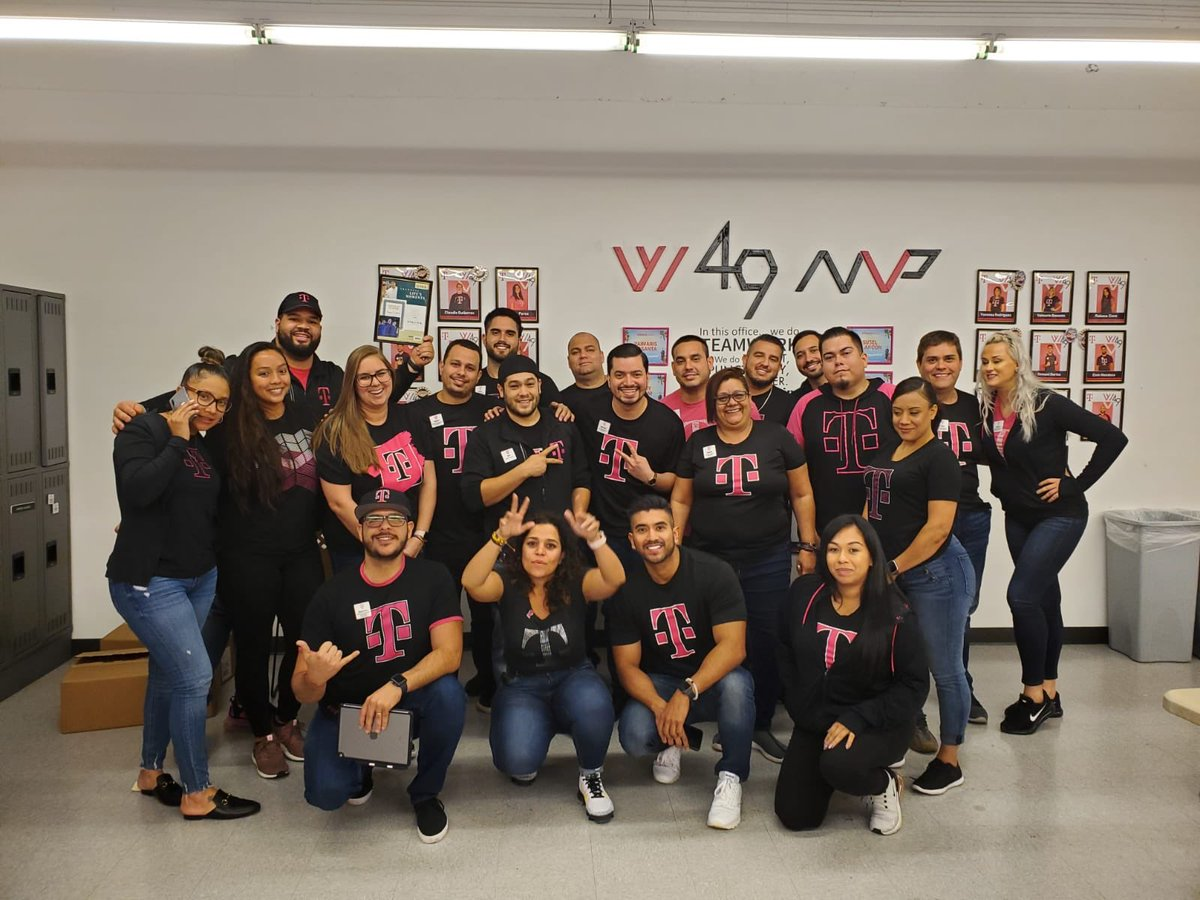 What a great experience being part of this amazing Emotional Intelligence class led by @MsVanessaVale! Thank you @megan_chong6 for setting it up and investing on our leadership development. 🔥 #OneTeam #Tmobile #SELoveWhatYouDo @TiNaDeTre