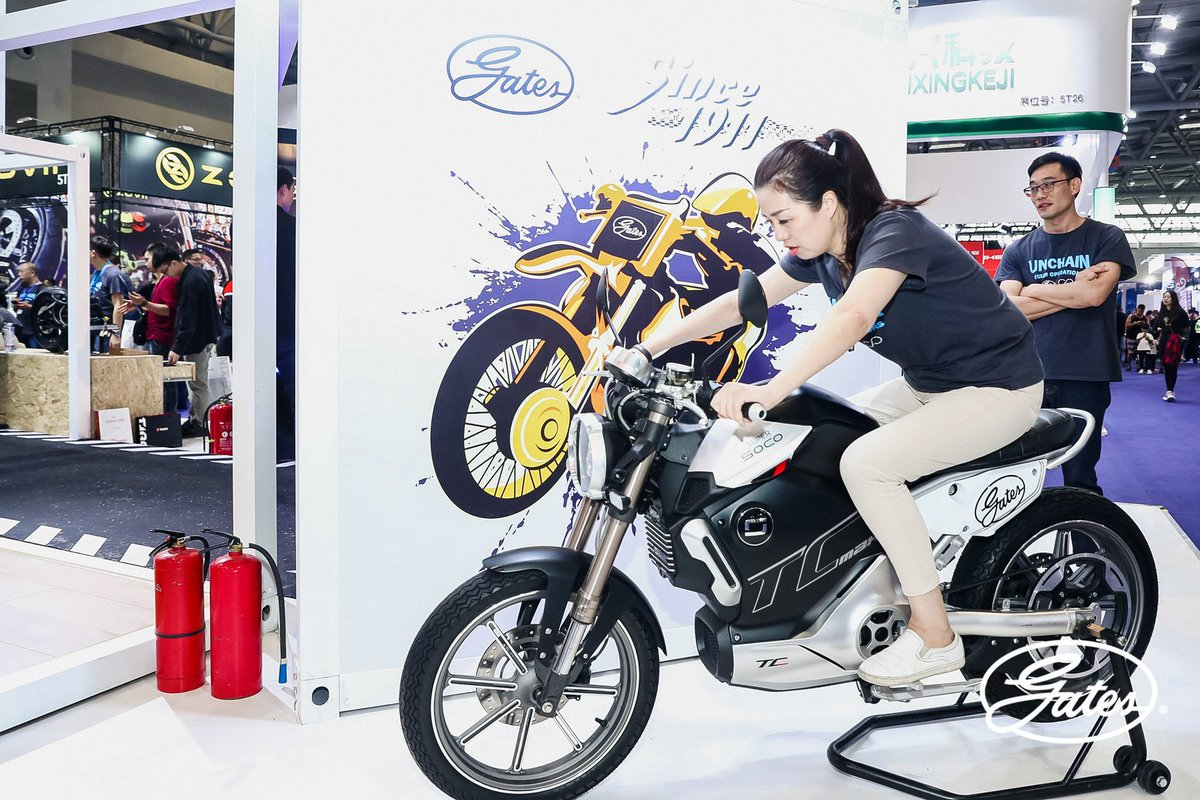 Unchaining #Electric #Mobility in China. Gates is just back from China's largest #motorcycle show. Check out the photos of our booth bikes and sights from the showroom floor:  https://blog.gatescarbondrive.com/  #gatescarbondrive #carbondrive #ElectricVehiclespic.twitter.com/vH3wZHF3Hl
