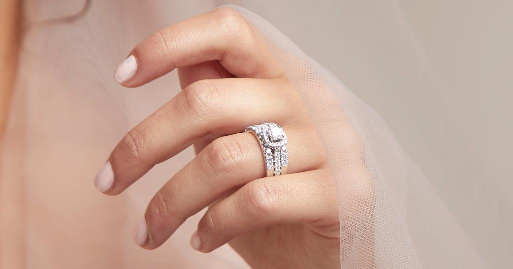 Fred Meyer Jewelers On Twitter Too Much Sparkle No Such Thing A Ring Wrap Or Guard Enhances Your Already Precious Engagement Ring Go Ahead Hold On To That Spark And