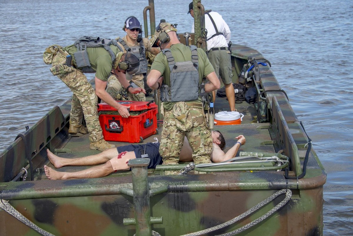 #ICYMI #FBI Hostage Rescue Team trainees recently participated in a three-day training that tested and honed their skills in air, on land, and on water. ow.ly/Y0qd50wzreL