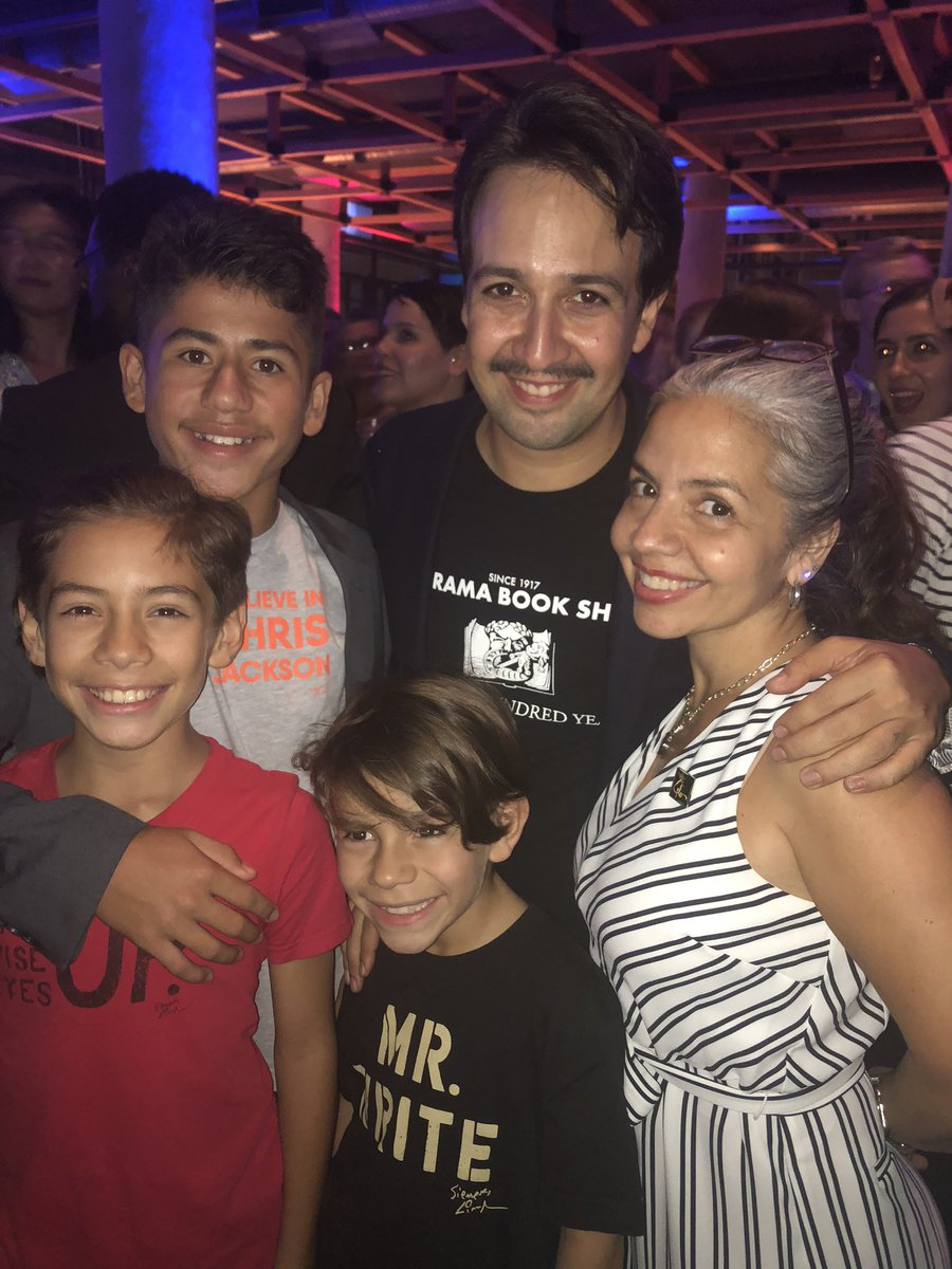 Only one tweet today to emphasize how much I love this tribe as we celebrate the opening of @Lin_Manuel @freestylelove BUENAS NOCHES.