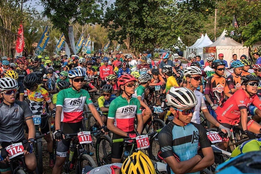 Hello! Can you spot yourself in this pict? #tanjunglesung #rhinoxtriathlon #RhinoXTriathlon2019 #CrossTriathlon #MountainBikeCrossCountry #RhinoMTBXCM #FestivalTanjungLesung2019 #10BaliBaru#Banten#BeachIndonesia #SportsTourism#WorldTourismDay