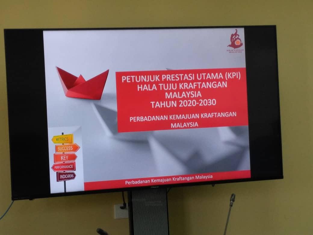 Kraftangan Pahang On Twitter 3 Oktober 2019 Sesi Penerangan Hala Tuju Kraftangan Malaysia Kepada Semua Anggota Kerja Oleh Pengarah Kraftangan Malaysia Cawangan Pahang Krafrepublic Kraftanganmalaysia Https T Co Dm3xsxq2lu