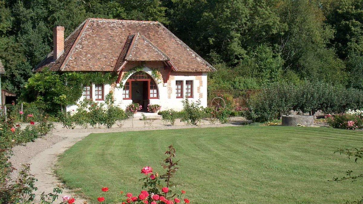 Красивый домик в деревне фото