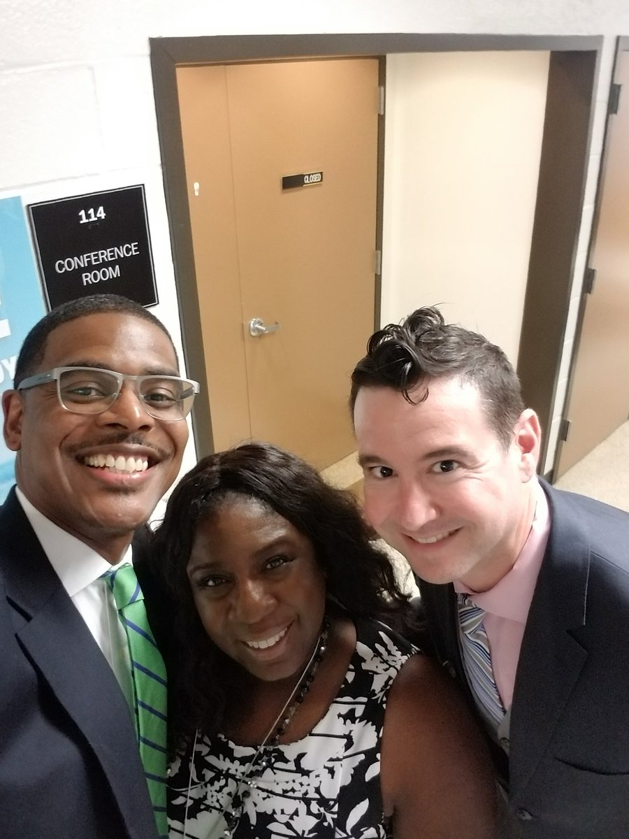 Happy 1st Principal's Month to two of my favs @philrobinson27 @MrFilderman! Enjoy your month!