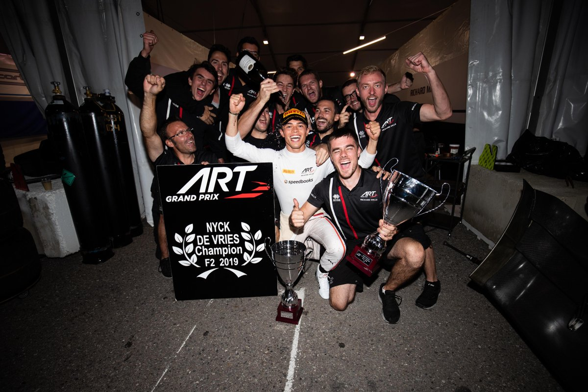 Champion celebrations, lively Luca Ghiotto and determined Deletraz 👊  Talking points from Sochi 👉 http://tinyurl.com/Sochi-Points-F2   #RussianGP 🇷🇺 #F2