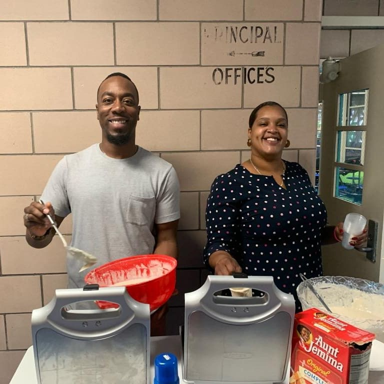 "Mr. Jermaine expressed the importance of being on time... ""To be early, is to be on time. To be on time is to be late. To be late is unheard of!"" #WaffleWednesday ...celebrating scholars that arrive early (and on time)  Thank you Mr. Jermaine & Ms. Cassi! #UnityintheCommunity https://t.co/eqyD4DfJRp"