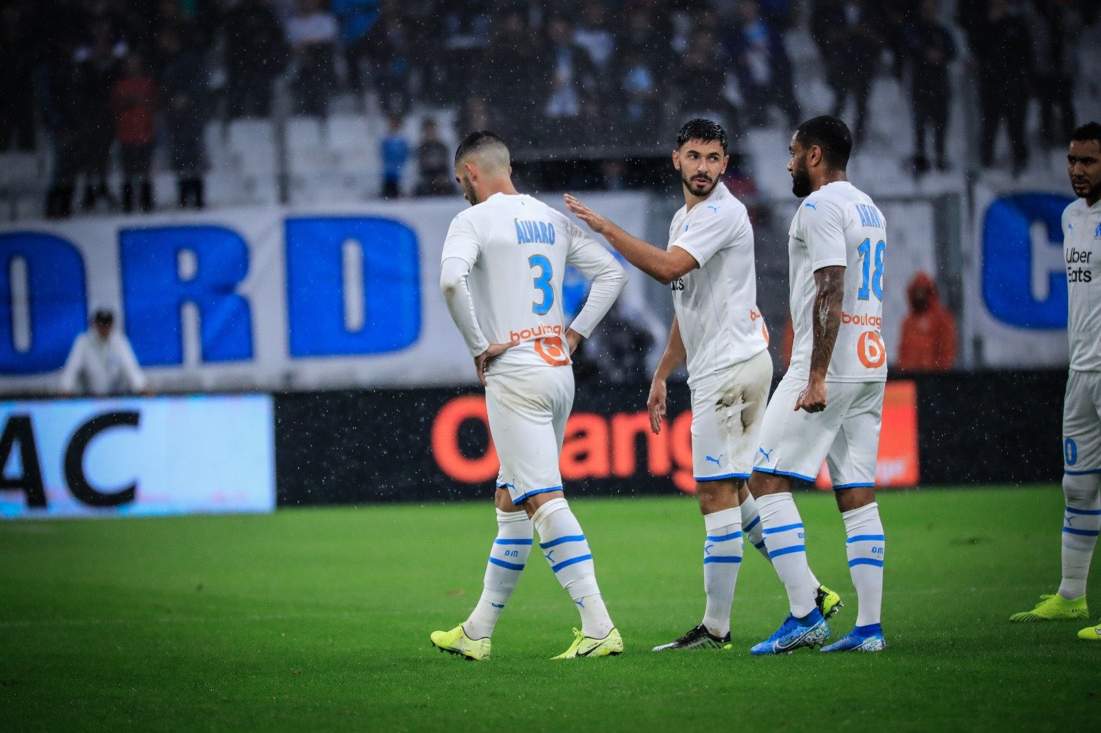 Álvaro González se retira lesionado en el OM-Montpellier (Foto: @OM_Officiel).