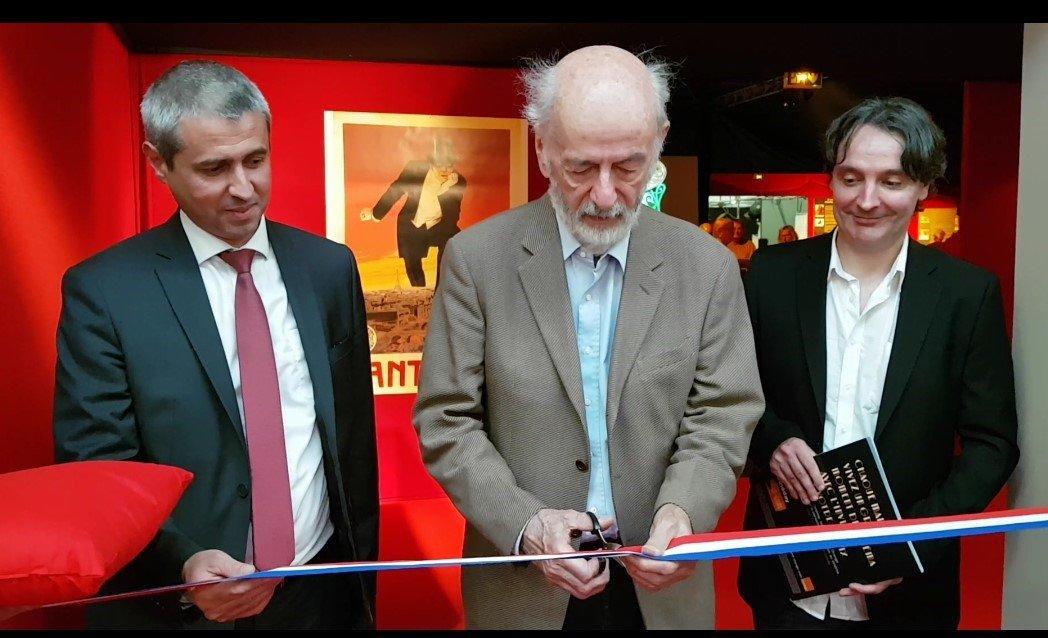 [ EN DIRECT AVEC NOTRE INVITE D'HONNEUR ☀️]Bertrand Blier est actuellement en train d'inaugurer l'exposition-évènement dans les coulisses du cinéma 📽️🎬🎞️#invité #évènement #cinéma #FoiredeCaen https://t.co/fIHspCcDYY