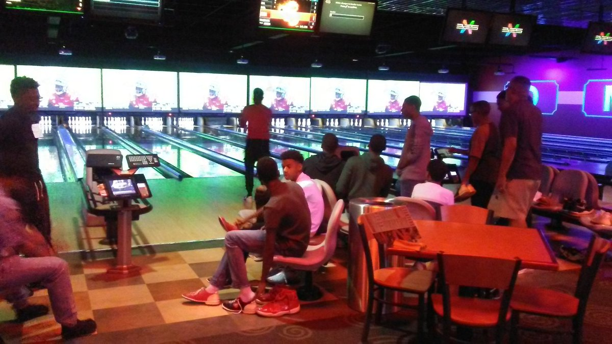 Kickoff Event for our Young Achievers at AMF Bowling Alley<br>http://pic.twitter.com/EUqUeGWDjA