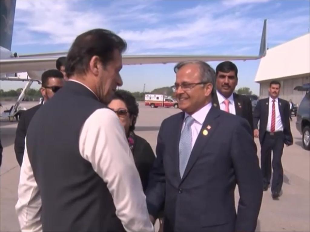 Pakistan's Prime Minister @ImranKhanPTI arrives at JFK, New York on Saudi Arabian Crown Prince Mohd Bin Salman's private jet. Being received by Pak envoy to US @asadmk17 and @LodhiMaleeha, Pak envoy to the #UN. @PakEmbassyDC @PakistanUN_NY#UNGA #UNGA74