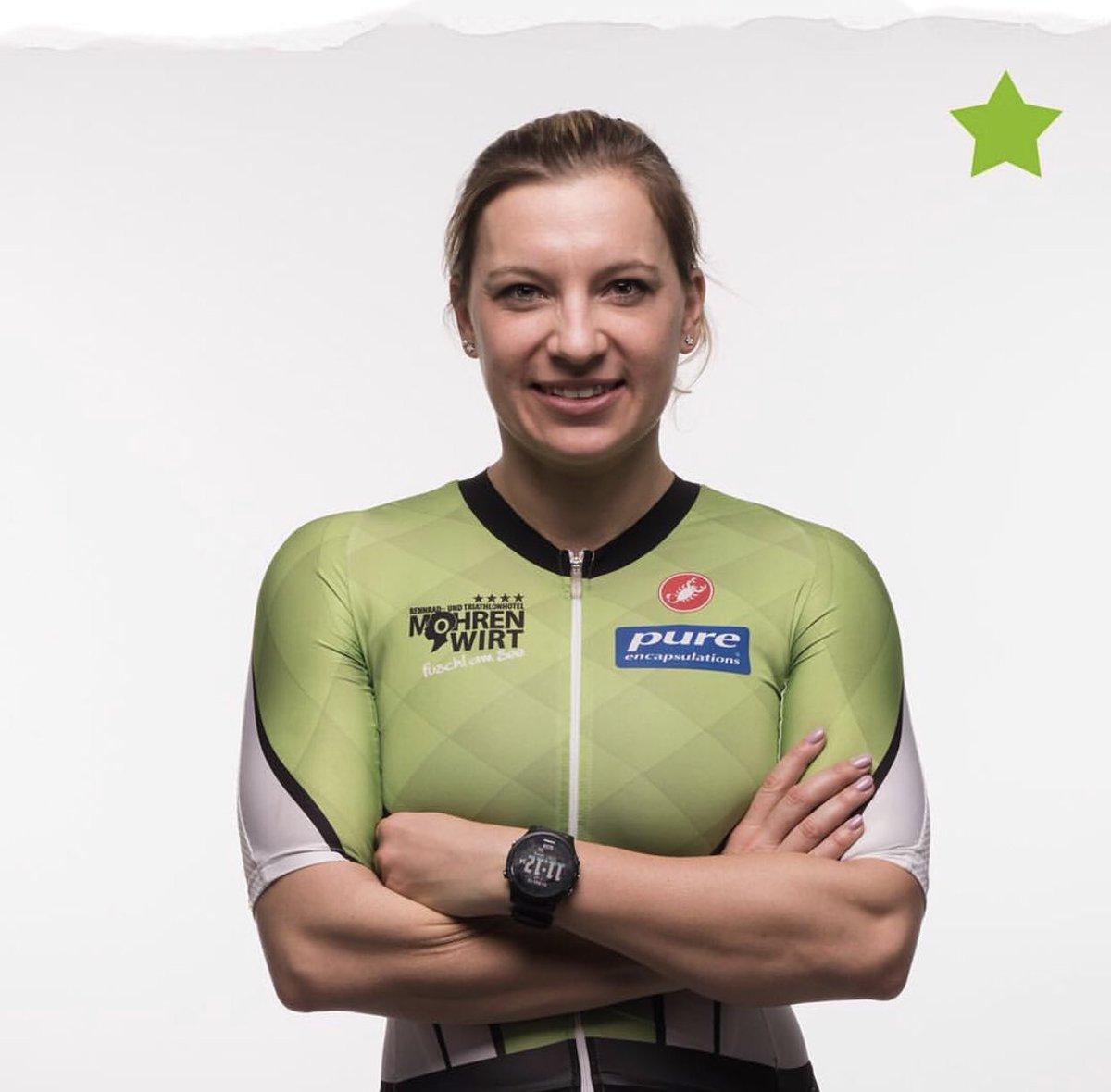 TOP 10👚 #IronmanItaly  8:48:23 Carolin Lehrieder 🇩🇪📸 8:56:39 Jenny Schulz 🇩🇪 9:02:12 Mareen Hufe 🇩🇪 9:04:40 Michelle Vesterby 🇩🇰 9:05:18 Joanna Ryter🇨🇭 . 📸 #teammohrenwirt  #imtrinews #IMItaly  #ironmanitaly #imcervia 🏊🏼♂️3.8km 🚴🏻♂️180 km🏃🏼♂️42.2km #ironmantri