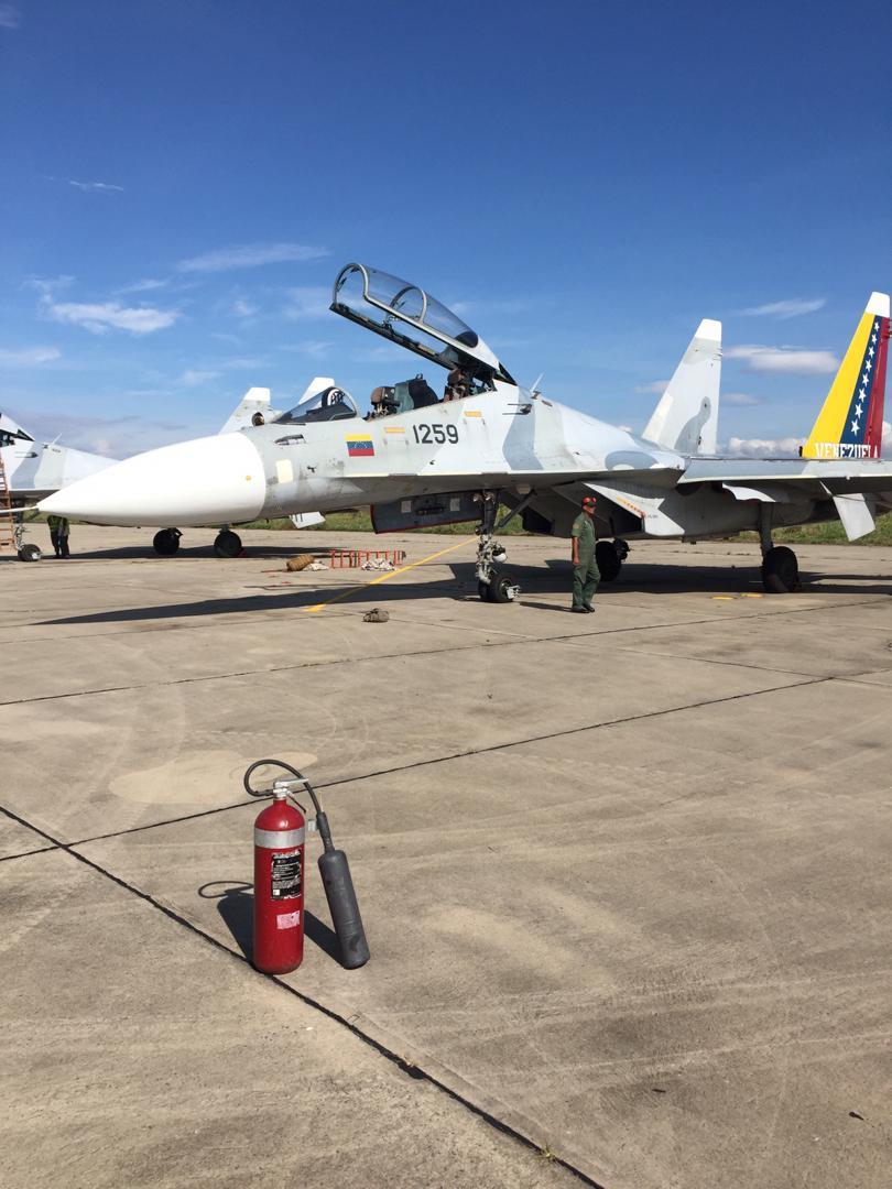 Sujoi Su-30 MK2 - Página 32 EFA_AeRWkAAj2gq