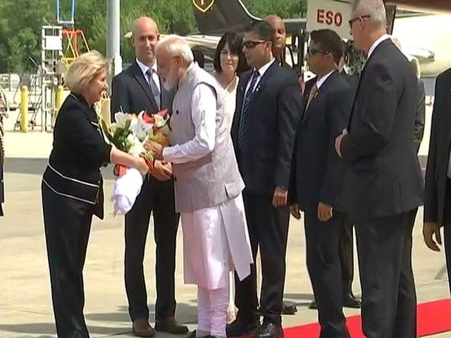 """Howdy, Modi!"": PM arrives in Houston, will address mega event tomorrow.Read more here: https://www.ndtv.com/india-news/pm-narendra-modi-in-united-states-howdy-modi-pm-arrives-in-houston-2104982…"