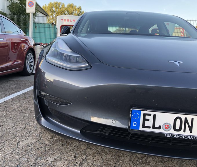 Just spotted ElonMusk at a Supercharger in Germany. Perhap