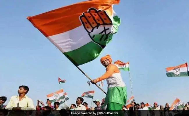 Congress slams election panel over no bypolls for all 7 Gujarat seats.https://www.ndtv.com/india-news/gujarat-congress-slams-ec-election-commission-over-no-bypolls-for-all-7-gujarat-seats-2104996…
