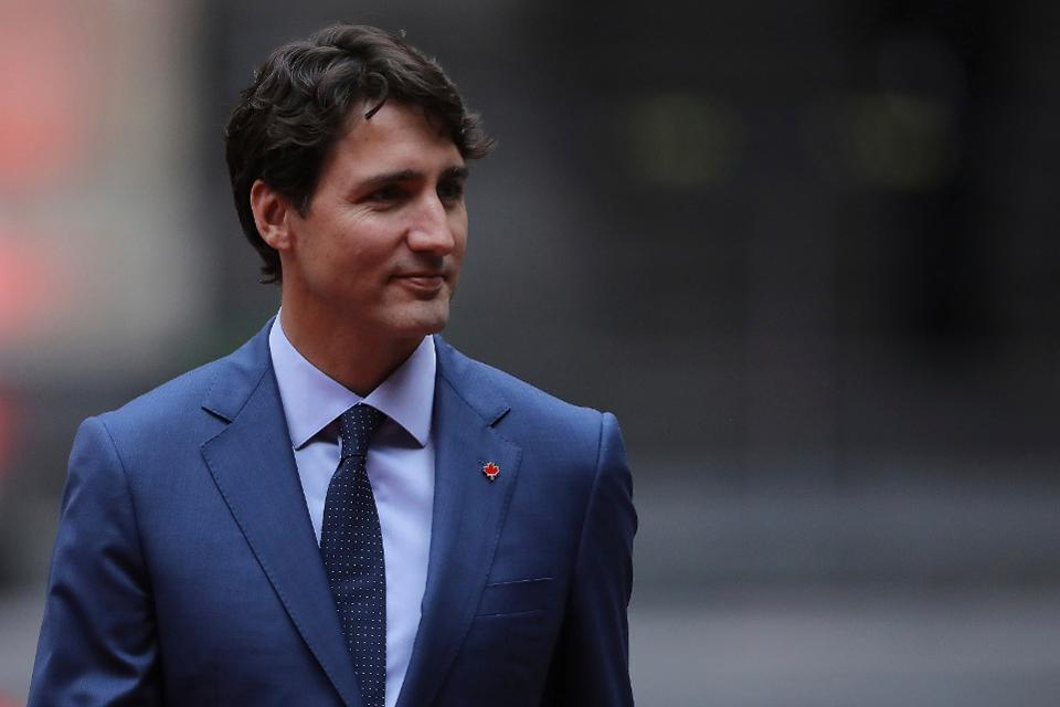 Prime Minister Justin Trudeau announced he would ban military-style assault rifles if his party is reelected amid blackface scandal http://on.forbes.com/601016SLQ by @rachsandl