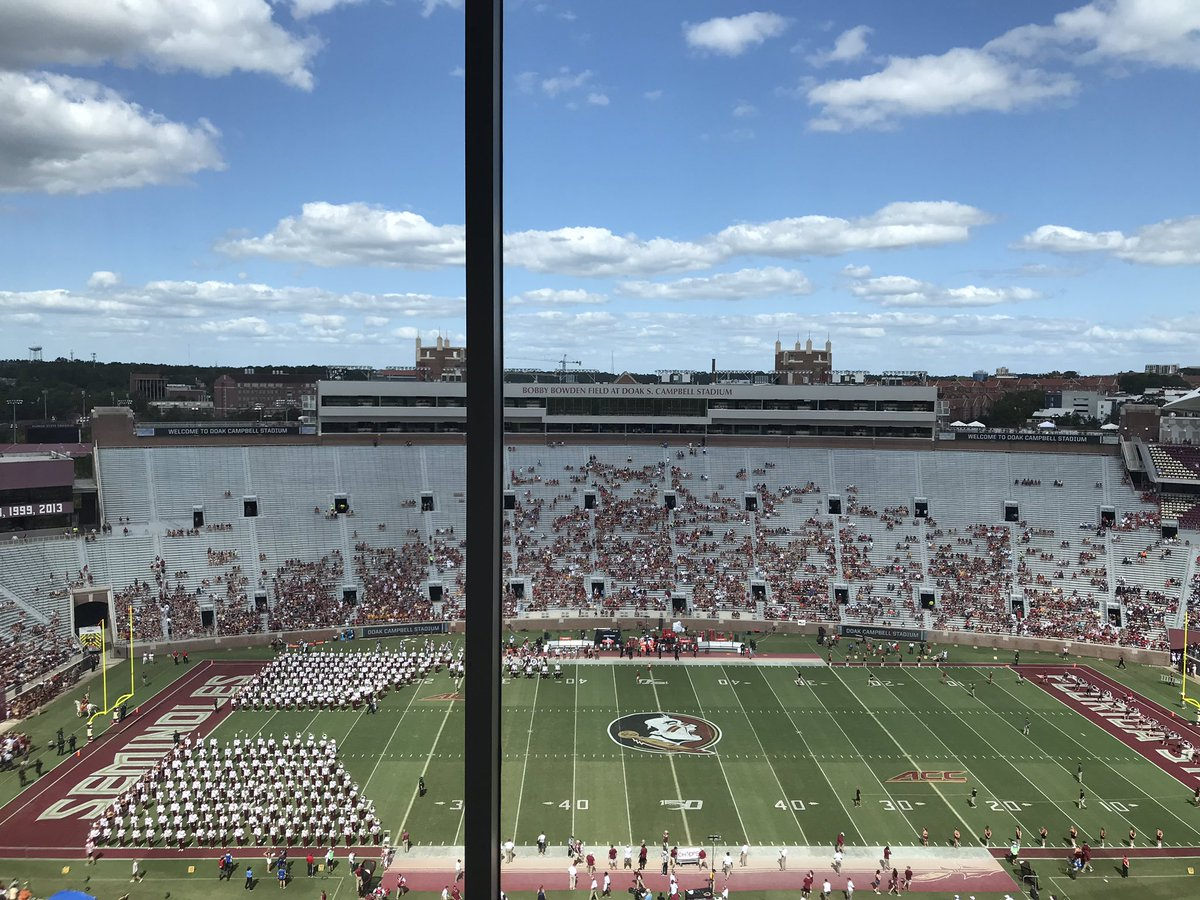Photos: The Crowd At Florida State-Louisville Is Embarrassing