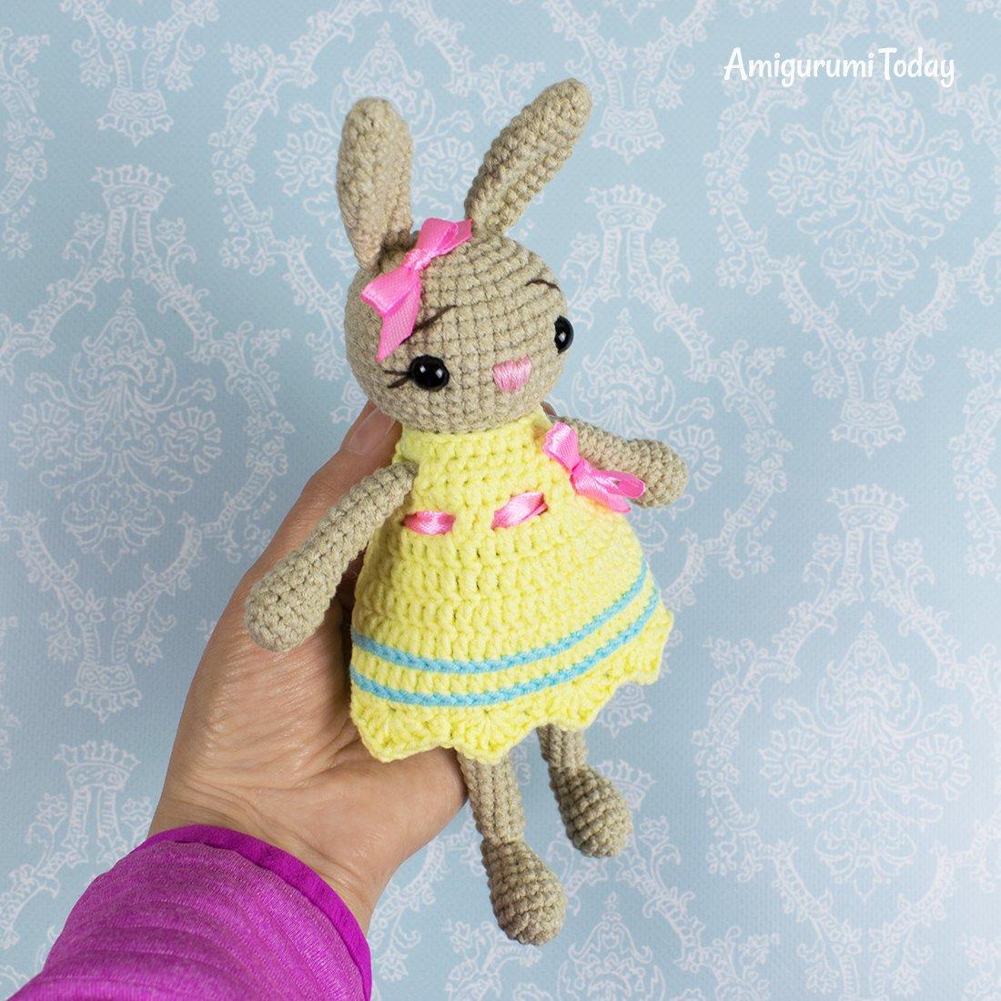 Free Bunny Doll crochet pattern - Amigurumi Today | 1100x1100
