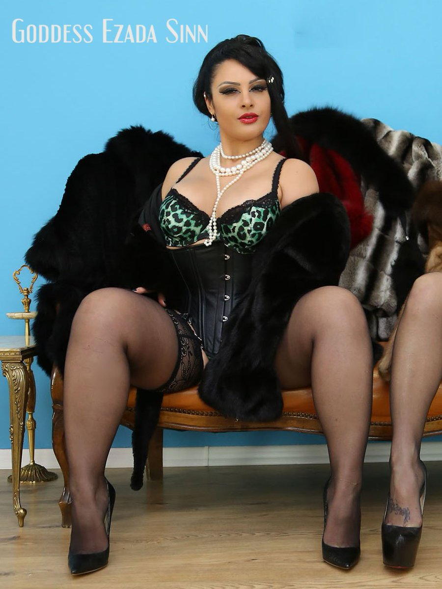 you want to put a smile on My face? Go buy lots of My clips NOW: EzadaSinn.com #Ezada #Matriarchy