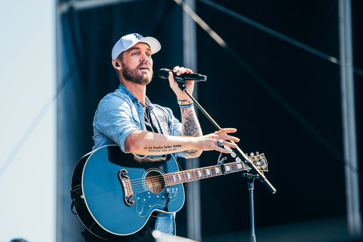 In case you didnt know, @BrettYoungMusic killed it on the #iHeartDayStage 🎸 #iHeartFestvial2019