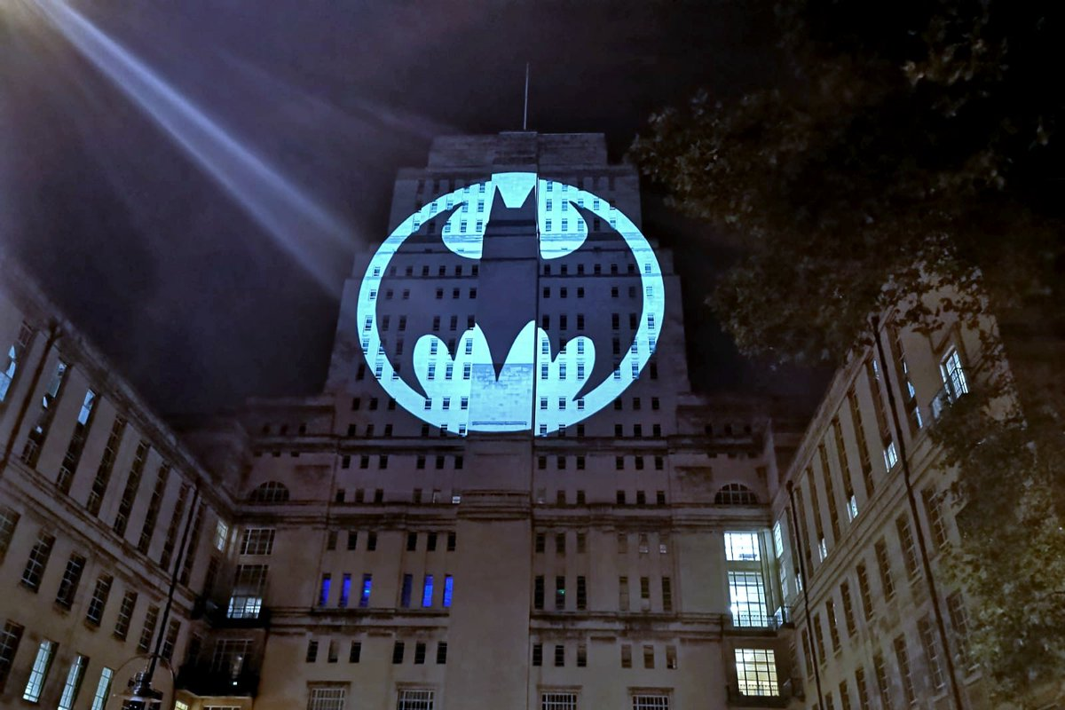 London calling#BatmanDay #Batman80 #batman80th #dccomics #batmanday2019 #Batman80years #Bloomsbury #UCL #London #noir